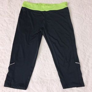 Aviva sport Women's Athletic Leggings Size Large